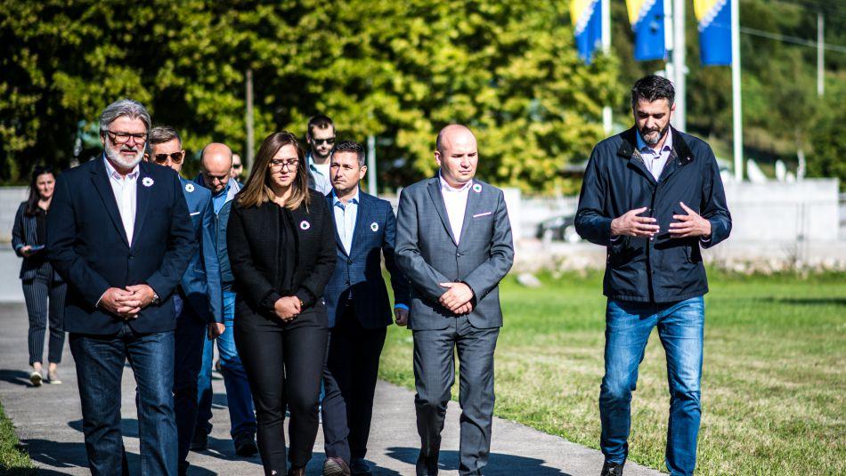 Članovi ALDE - Mreža evropskih liberalnih stranaka danas u Potočarima